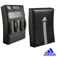 Щит Adidas Curved Kick Shield.