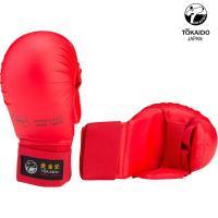 Перчатки Токайдо для Каратэ с защитой большого пальца. Цвет красный.